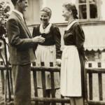 Meine Mutter, ihre Schwester Loisi und Bruder Franz (ehem. Pfarrer in Bruck)