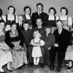 Silberhochzeit der Großeltern, mit allen 14 Kindern