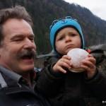 Der Eindruck täuscht, Fabian, dem Sohn von FF Kommandant Richard Möschl schmeckt's