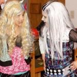 Supercoole Kostüme! Die Meerjungfrau und Lily Munster