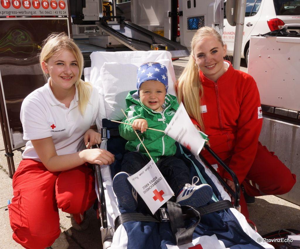 Rettungssanitäterin  Das Rote Kreuz Saalfelden stellt sich vor: die charmanten ...