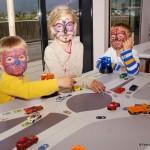 Elias, Alina und Moritz spielen Kreisverkehr