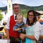 Bezirkskapellmeister Florian Madleitner mit Elisabeth und Felix