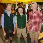 Lukas, Martin und Philipp bekommen ein Trosteis