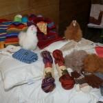 Diese kuscheligen Sachen werden aus der Wolle produziert