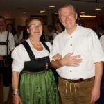 Elfriede Innerhofer, Obfrau der Pinzgauer Heimatvereine schwingt auch das Tanzbei