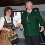 Smaragddirndl mit passendem Herrnjanker (von BK Obmann Kirchner)